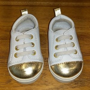 Gold Toe Baby leather tennis shoes